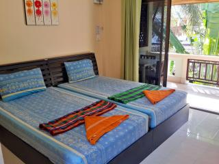 Lamai Beach Serviced Apartment with Kitchen 2fl A