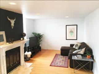 Amazing loft with private rooftop and parking, Montreal