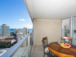 Waikiki Ocean View Studio + Free WiFi, Honolulu