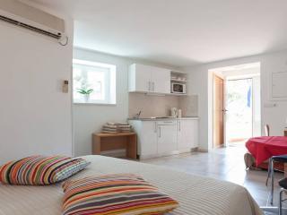 Studio Apartment with Terrace!, Dubrovnik