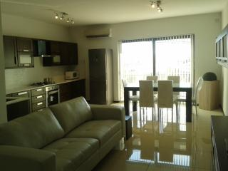 BIRKARKARA - Modern highly furnished apartment, Birkirkara