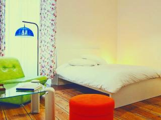 Double room with private bathroom and WiFi, Berlin