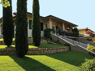 Villa panoramica con piscina, Desenzano Del Garda