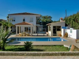 Strandnahe Villa mit Pool, Jacuzzi & Tennisplatz, Denia