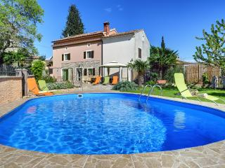 Traditional Istrian Stone Villa With Private Pool, Svetvincenat