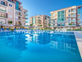 Luxury 4BR apartments with big pool, hammam and sauna at Moonlight Residence, Antalya