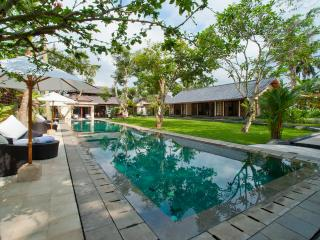 Villa San - an elite haven, 6BR, Ubud