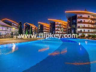 Luxury 1BR apartments close to the beach at Onkel Residence, Antalya