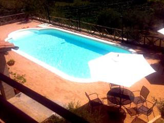 Country villa with swimming pool nearby Rome