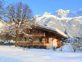 Chalet les Islouts ~ 4 bed Luxury  in Chamonix