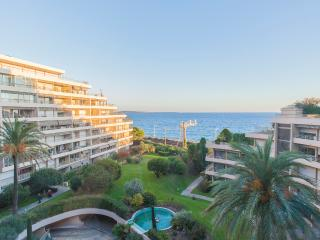 Breathtaking sea view, 50 m from the beach., Cannes