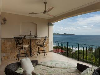 Luxury Oceanview Condo - Best Rates in Town, Playa Flamingo