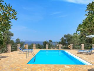Villa with Private Pool, Gaios