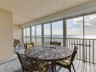 Gateway Villa 397, Gulf Front, Elevator, Heated Pool, Fort Myers Beach