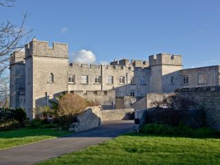 Pennsylvania Castle, Half Moon located in Portland, Dorset, Isle of Portland