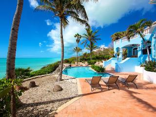 Three Cays Villa, Sleeps 2, Providenciales