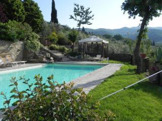 Villa Maria,  Nonna - 2 bedroom cottage /apartment with lovely pool, Castiglion Fiorentino