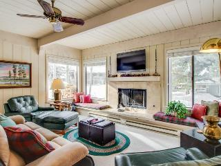 Get the best of Sun Valley with cozy home amenities, near Dollar Mountain!