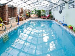 Book Now! Serene 2BR Asheville Home w/Indoor Pool & Meditation Garden * Great Location * Wi-Fi! Light Breakfast Included!