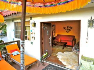 'Casita de Paz' 2BR Bungalow in Ojai's Most Desirable, Magical Location - Great Discounts Stays of 7+ Nights!