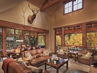 Bear Grande Chalet: 8BR Spectacular Home -sleeps 24, Steamboat Springs