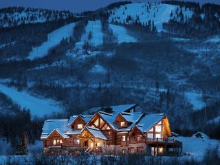 Lookout Lodge - 5BR Ultimate Private Mountain Luxury Home
