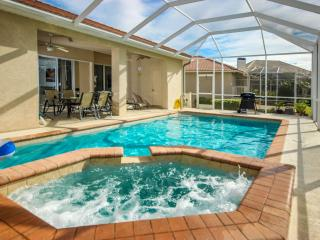Royal Palm Villa - Luxury Waterfront Home, Fort Myers