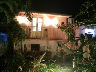 CASA PEQUENA - Pretty cottage style villa, small botanical garden, pool + Wi-Fi