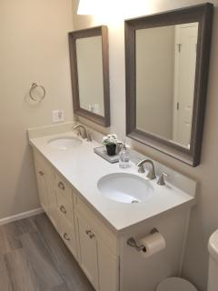 Hall bath with dual sinks!