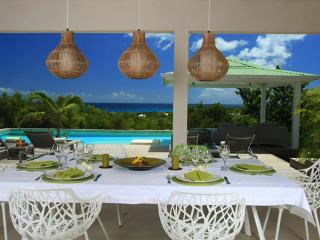 Spacious and elegant 3 bedroom villa overlooking the caribbean sea, St. Maarten-St. Martin