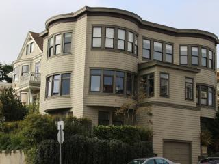 Spacious, Sunny, Elegant 4-bedroom with Views ~ RA67668, San Francisco
