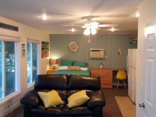 NEW Siesta Beach-style Efficiency Apartment, Siesta Key