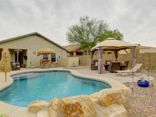 Resort Style Feel! A Beautiful Backyard Oasis, San Tan Valley