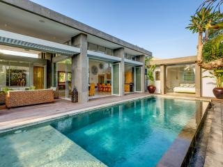 VILLA BAMBOO at ARAMANIS VILLAS - 4 BED LUXURY, Legian