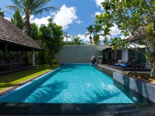 Designer Villa on west coast near best beach and Laguna