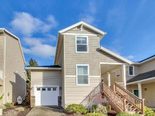 Dog-friendly home w/ ocean views, walk to town & Netarts Bay!