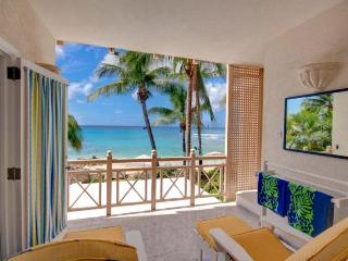 Luxury Condo with Spa and Direct Beach Access, Weston
