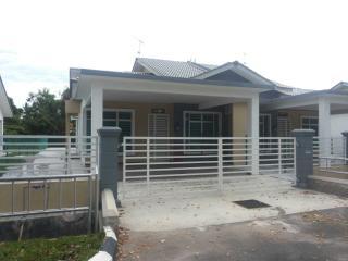 Super Homestay villa Putra Putri, Melaka