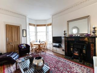 Classy traditional new town flat, great location!!, Edinburgh