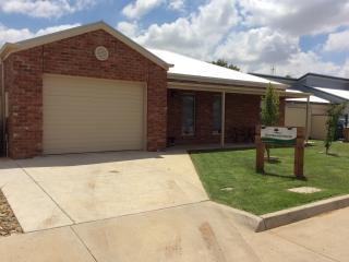 Riverbend House Pet Friendly, Swan Hill