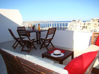Family Friendly Seaview Penthouse, San Pawl il-Baħar (St. Paul's Bay)