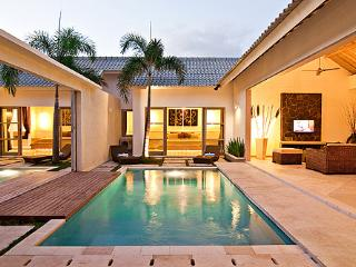 4 Bedroom Comfy Lux Villa in the Heart of Seminyak