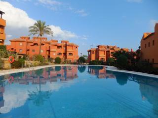 Apartamento de lujo con 2 terrazas a 300m del mar, Estepona