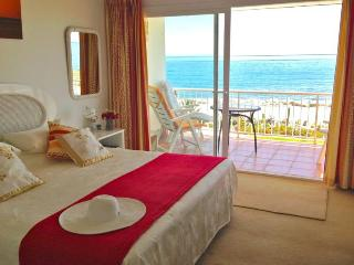 1st Line BeachFront Villa, 3Bedrooms with Seaview, Estepona