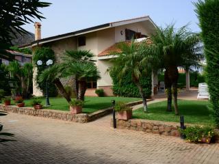 Villa Cottone with private pool, Altavilla Milicia