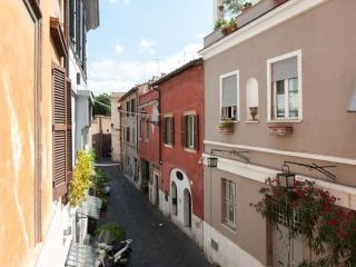 PAGLIA STREET - Love-nest, romantic studio in Trastevere heart, great location!