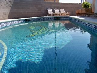 Costabravaforrent Lladó, house up to 8, pool, BBQ, L'Escala