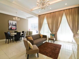Luxury Villa Batu Ferringhi Penang