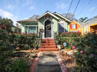 Octavia Manor: House W/ Grand Piano, Nueva Orleans