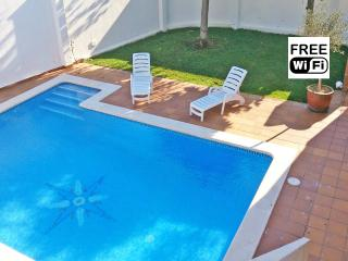 Alquiler turístico en L´Escala: casa con piscina, L'Escala